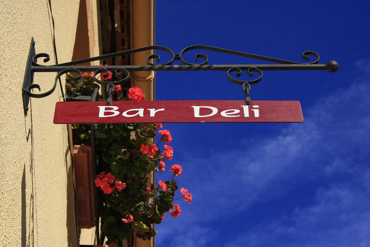 Bar Deli, Tobía