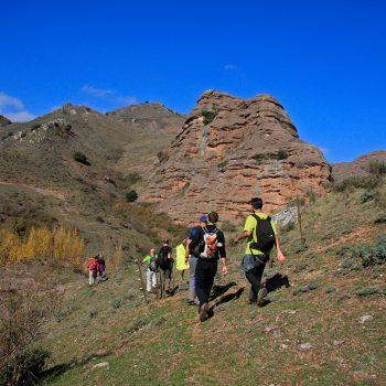 Participantes recorriendo los últimos metros del camino.